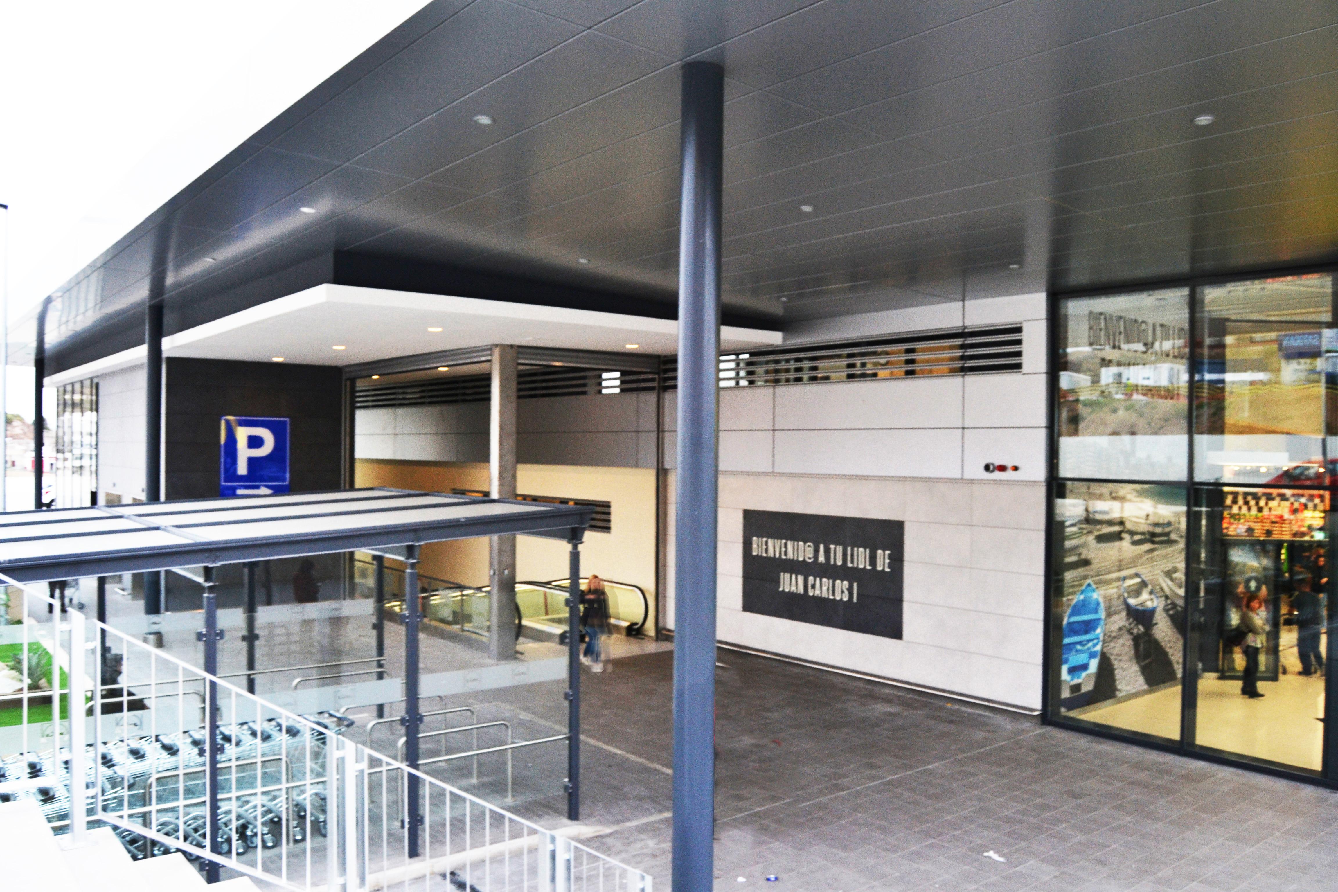Centro de ventas + Locales Comerciales | 2017